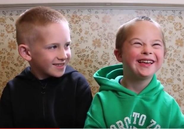 Mi hijo tiene un compañero de clase con síndrome de Down, ¿cómo puedo apoyar en la inclusión?
